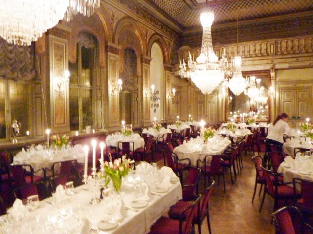 Middag och bal på Stora Sällskapet